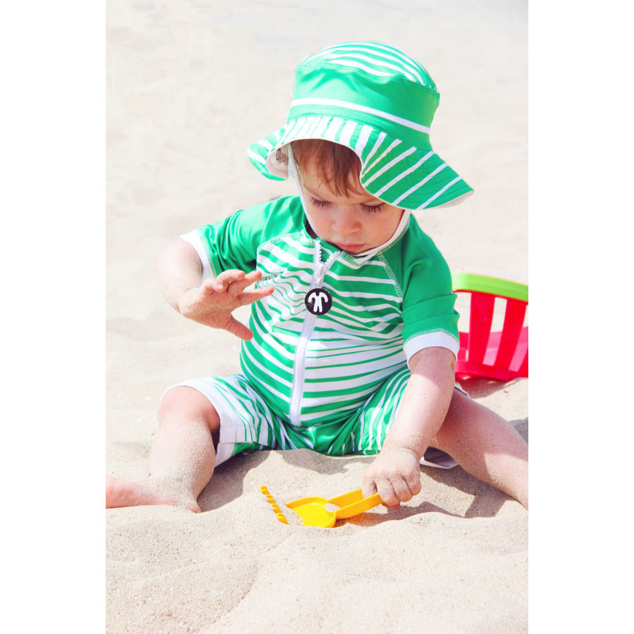 UV baby sun hat in green / white | Aruba-2