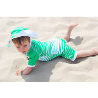 thumb-UV baby sun hat in green / white | Aruba-3