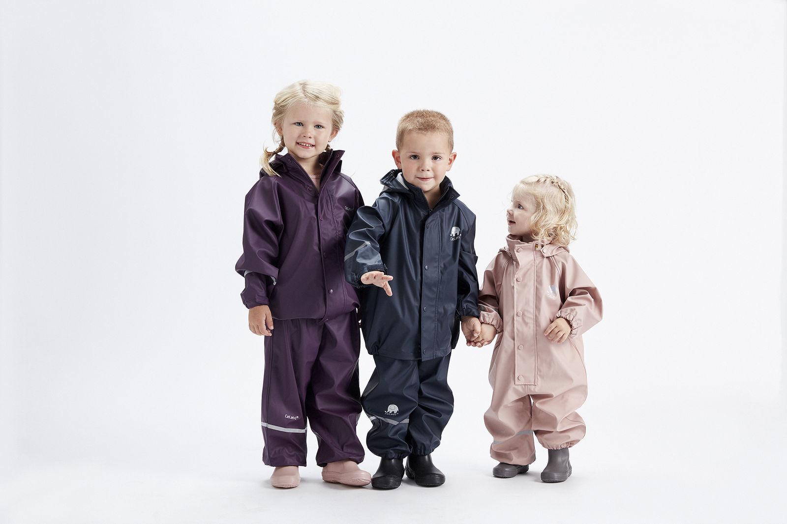 Buitenkleding in eigen kleuren en bedrukking voor kinderopvang organisaties