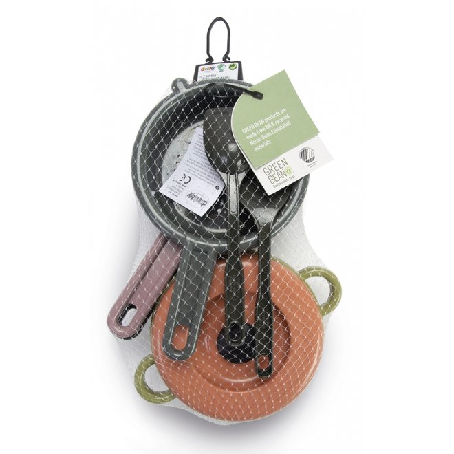 Cookware set | 100% recycled materials |