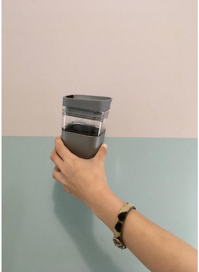 Kafé In The Box| zilvergrijze koffiebeker voor onderweg 473 ml