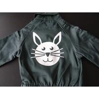 thumb-afbeelding konijn voor op overall-1