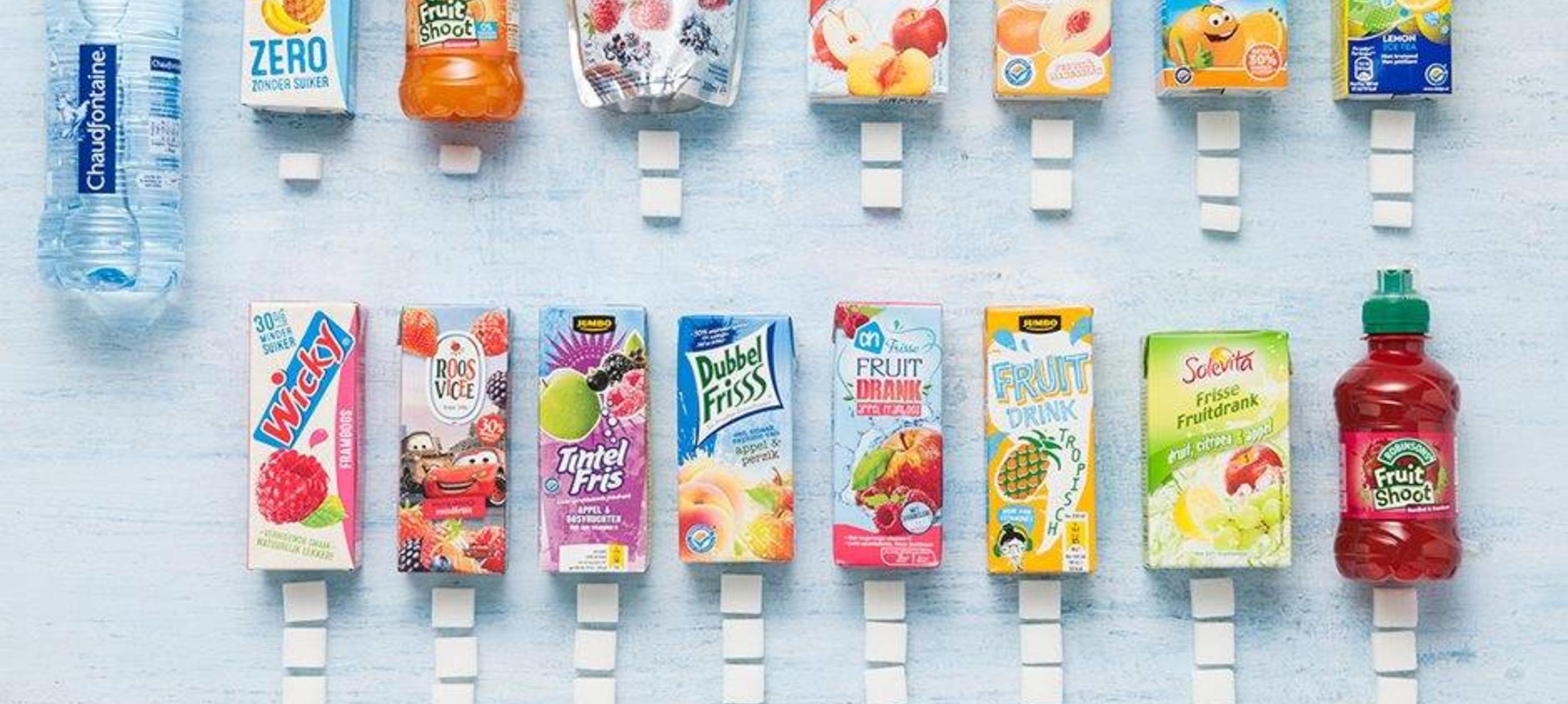 Suiker in zuiveldrankjes en wegwerp drinkpakjes