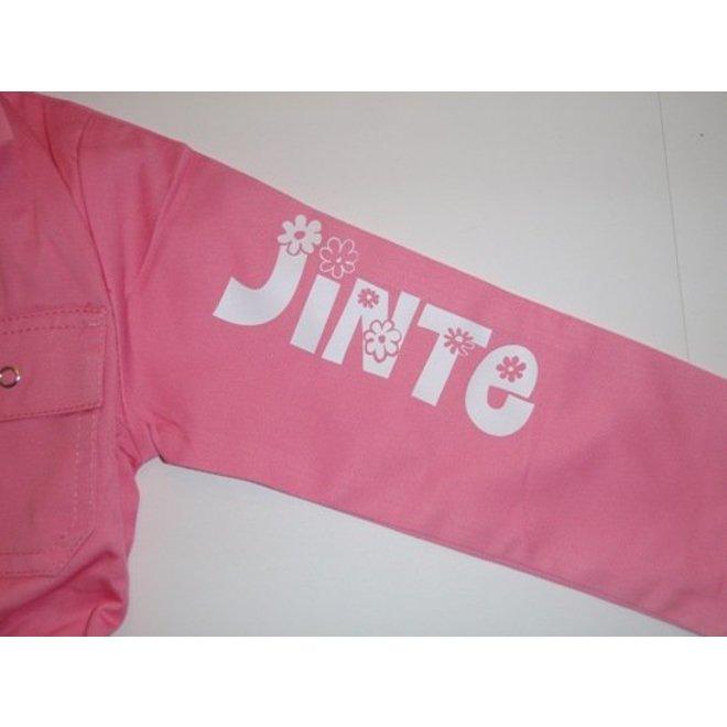 Roze kinderoverall met naam of tekst bedrukking