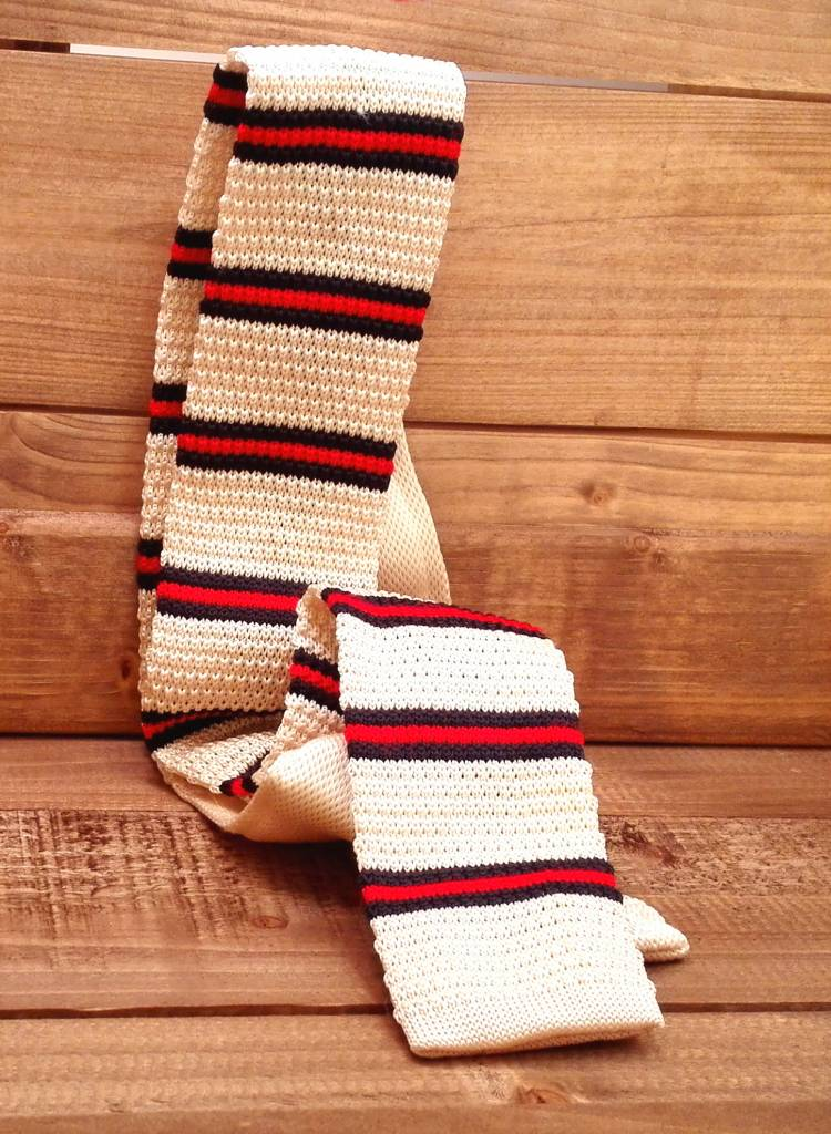 Necktie knitted cream