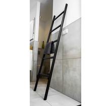 Badkamer ladder eikenhout strak zwart gelakt