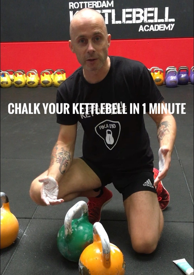 How to chalk your kettlebell in 1 minute