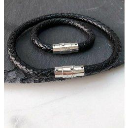 Amore  Vader-Zoon zwarte leren armband  met gravure