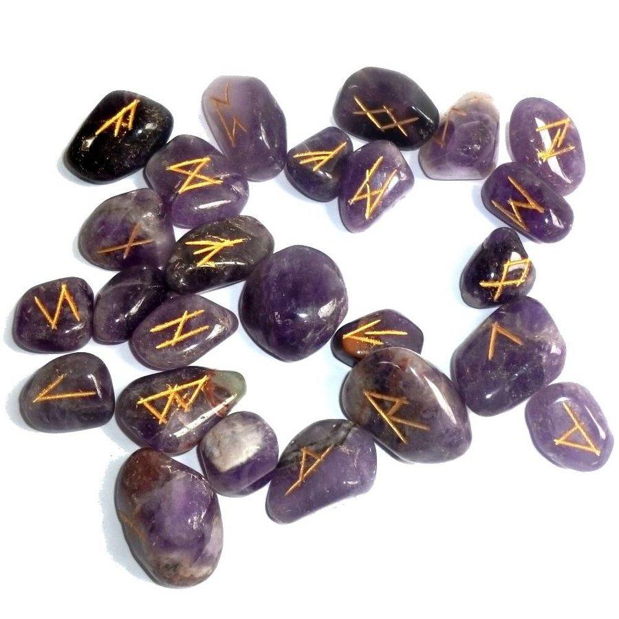Runenset aus Amethyst-3