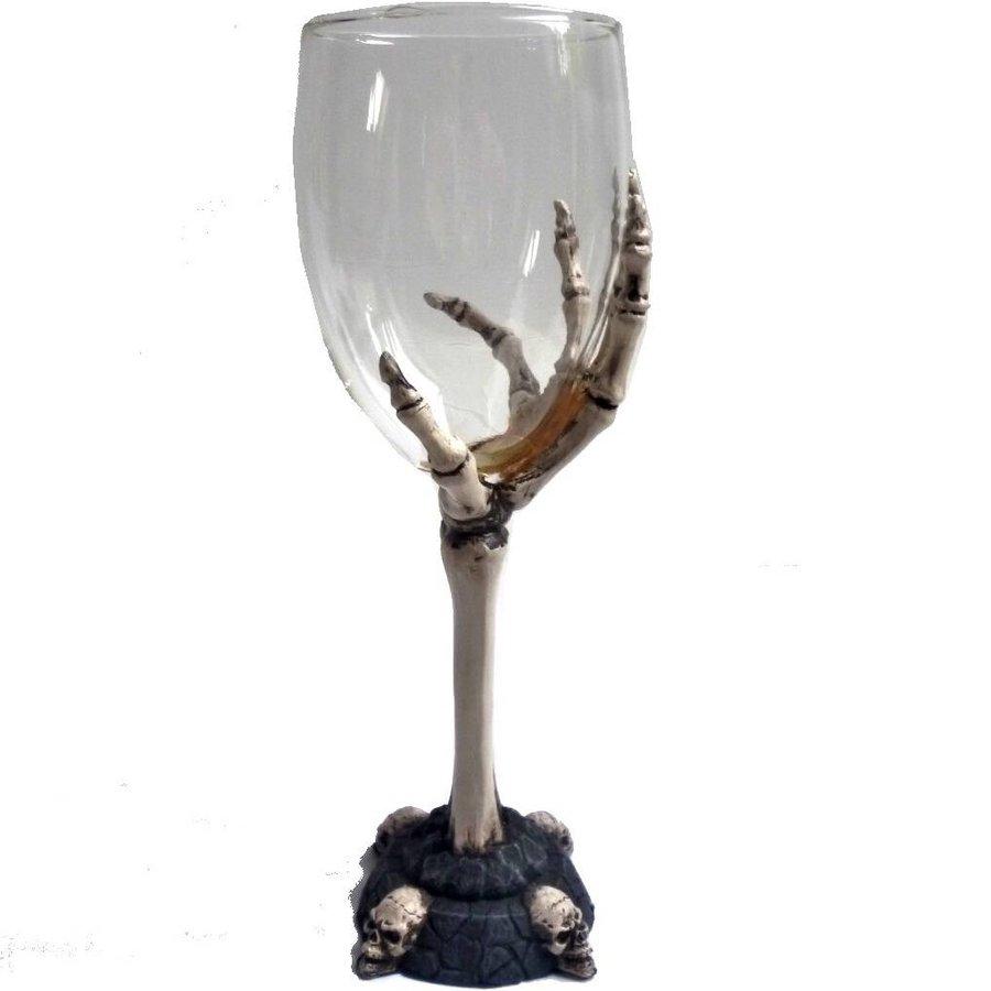Glaskelch mit Knochenhand-6