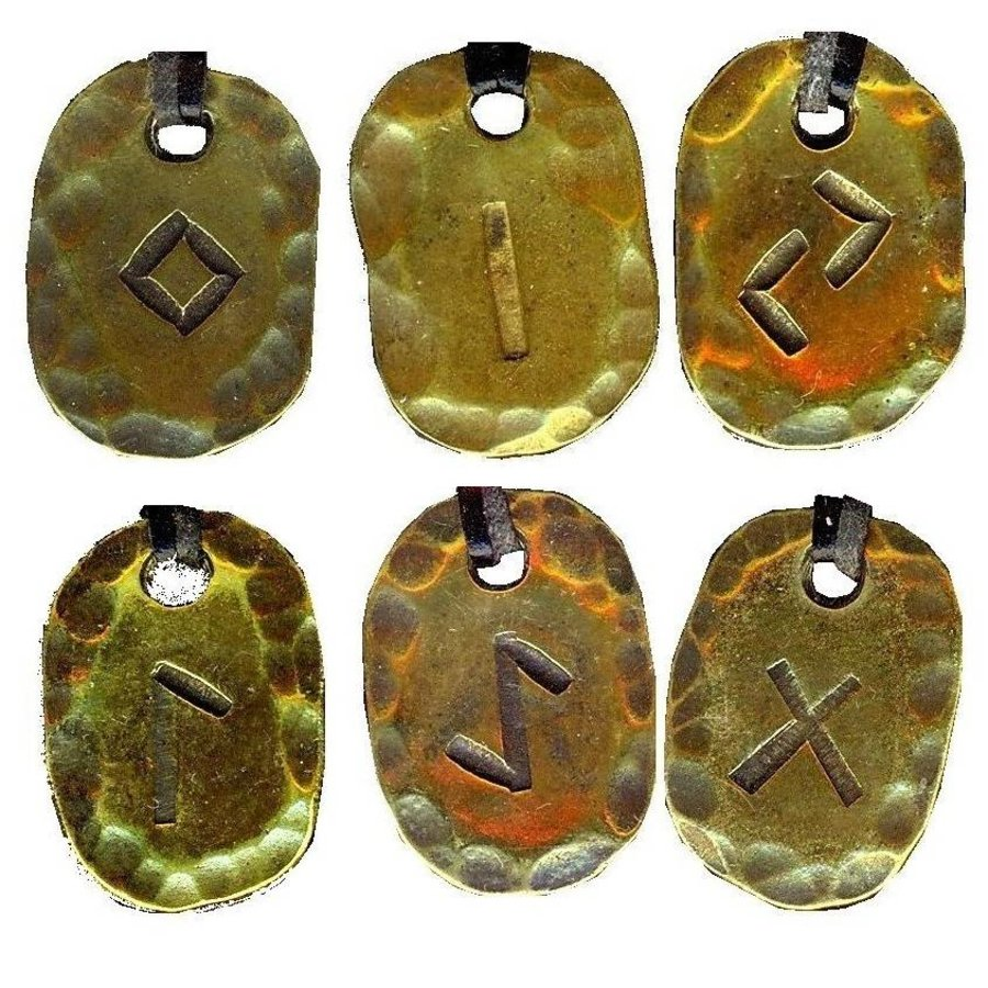 Amulett Rune, Anhänger-2