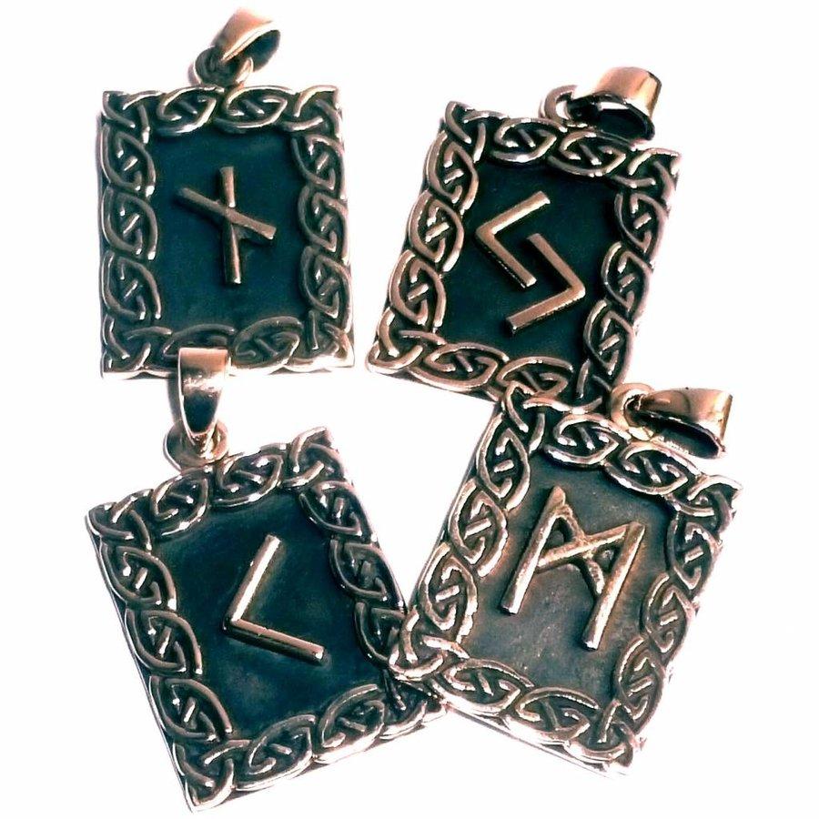 Amulett Rune, Tiwaz-2