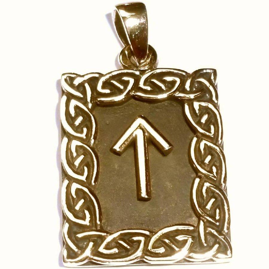 Amulett Rune, Tiwaz-1