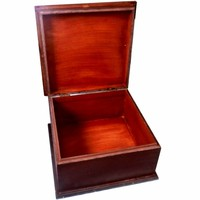 thumb-Holzkasten für den Altar-3