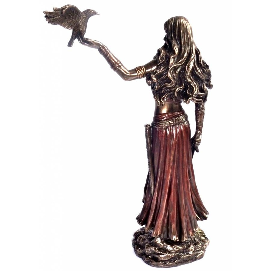 Keltische Göttin der Geburt, der Schlacht und des Todes-5