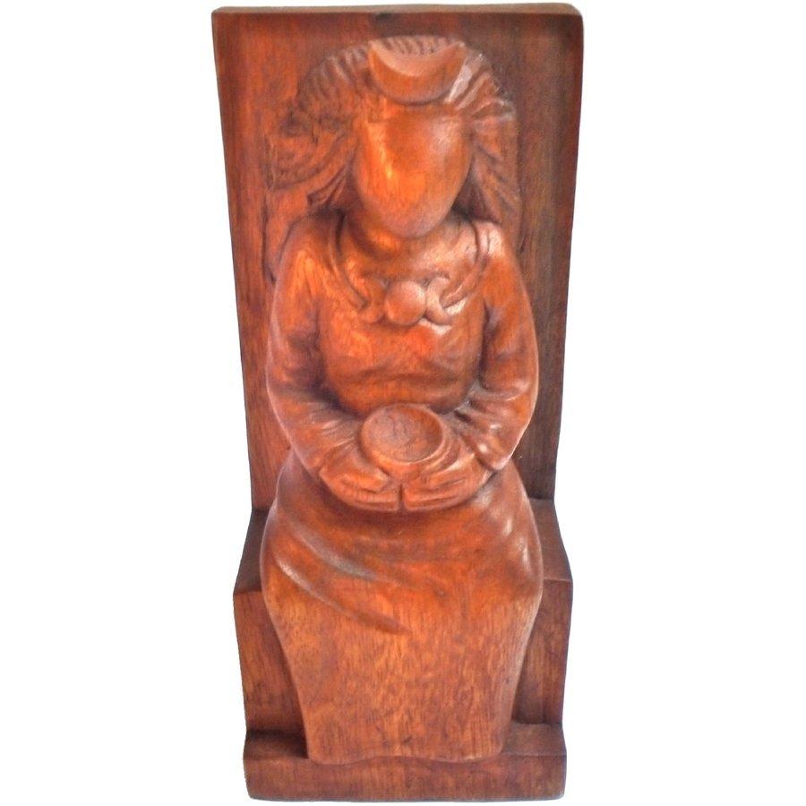 Hexengöttin aus Holz-3