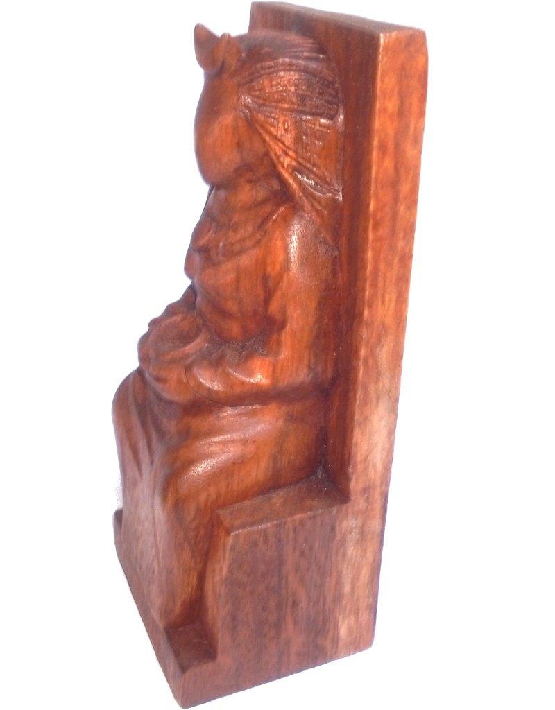 Hexengöttin aus Holz