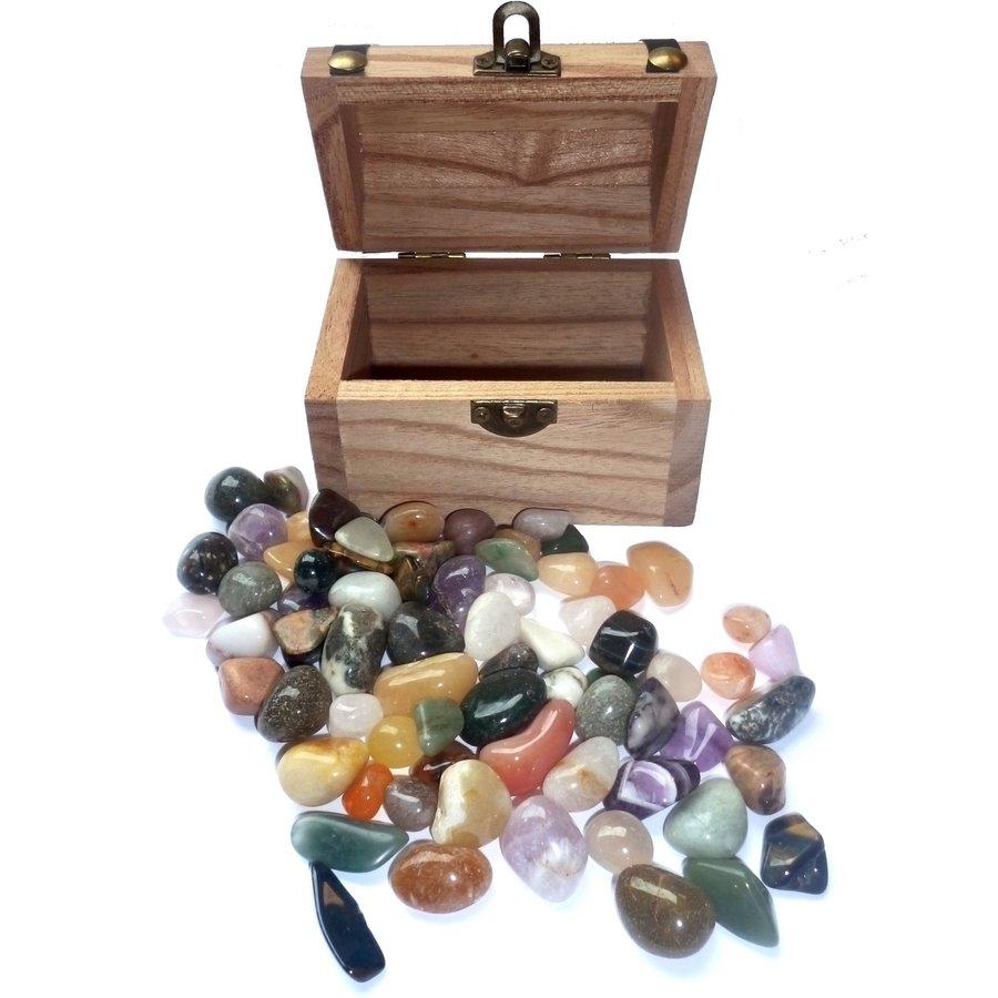 Holzkästchen mit Edelsteinen-5