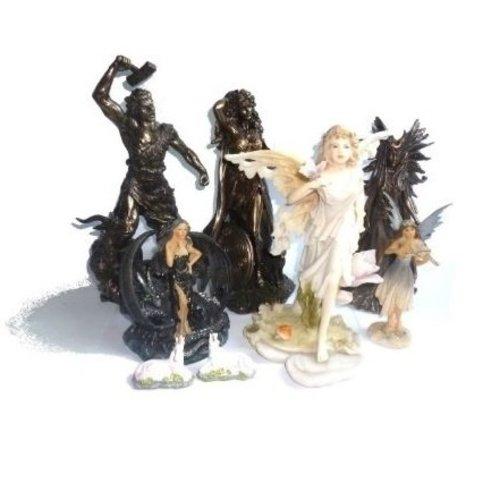 Götter Statuen