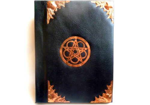 Schattenbuch mit Kupfer- beschlägen