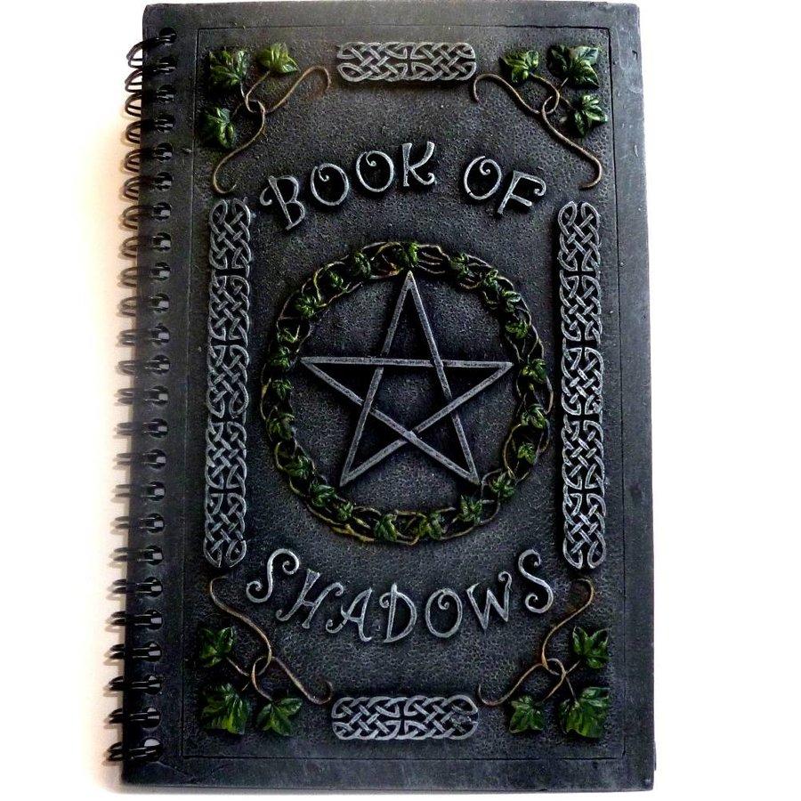 Buch der Schatten mit Pentagramm, klein-1