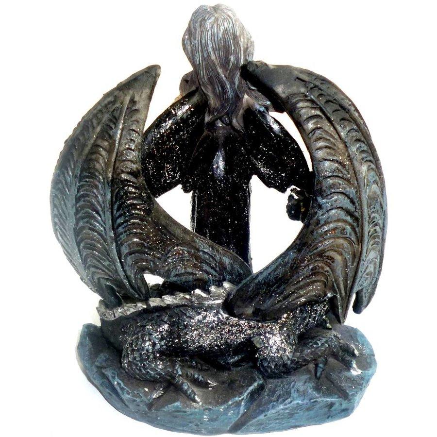 Mystische Elfe vor Drachenflügeln-4