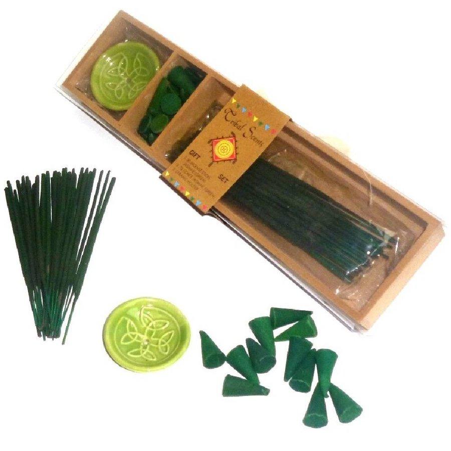 Holzkästchen mit Räucherstäbchen, Kegel und Halter-3