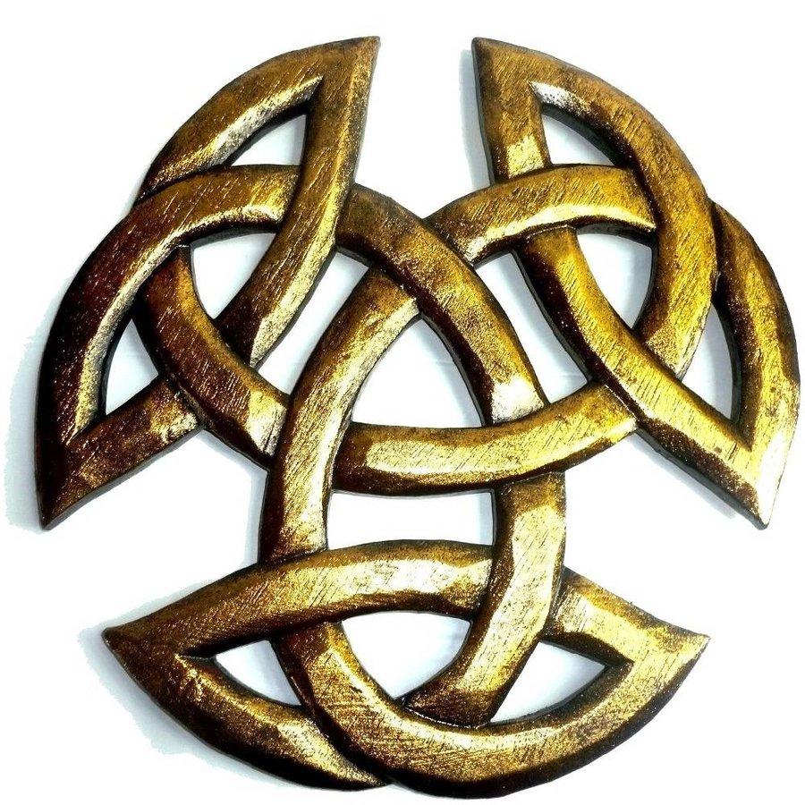 Dreifacher Knoten, geschnitzt-2