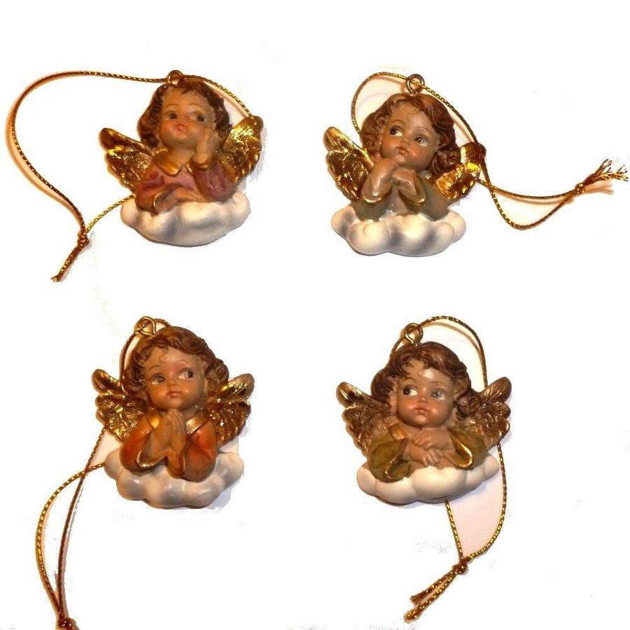 4 hübsche Engelchen auf Wolken-3