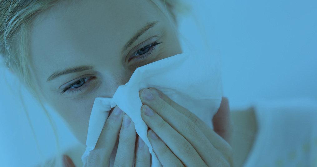 Altijd verstopte neus tijdens slapen: oorzaken en tips
