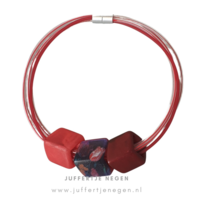 CUBE COLLECTION CUBE KETTING Mizuhiki Rood Heem met 3 Cubes