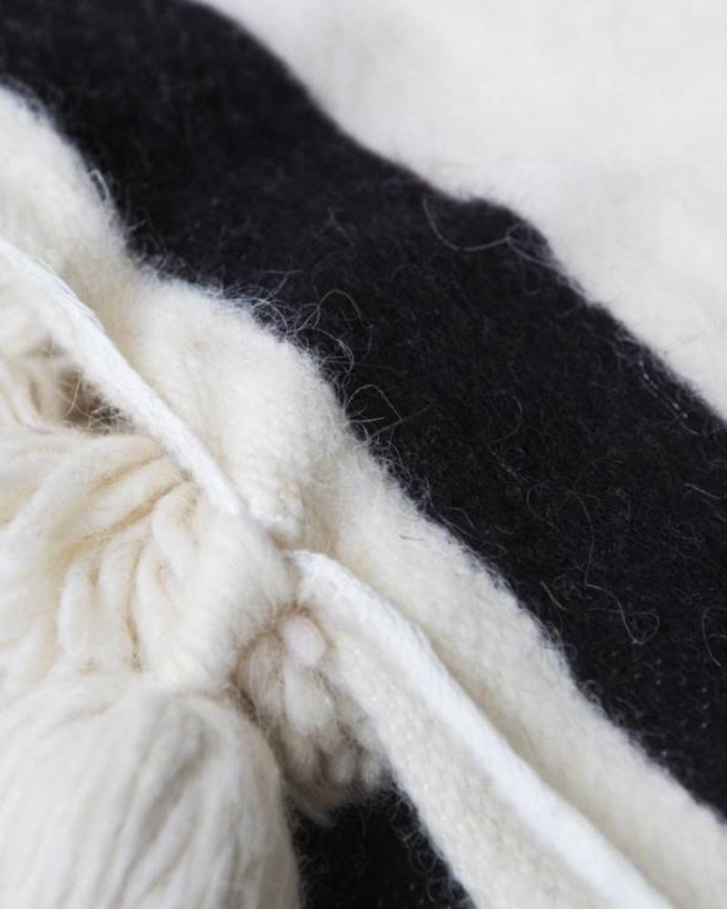 Handwoven Berber pompom blanket L