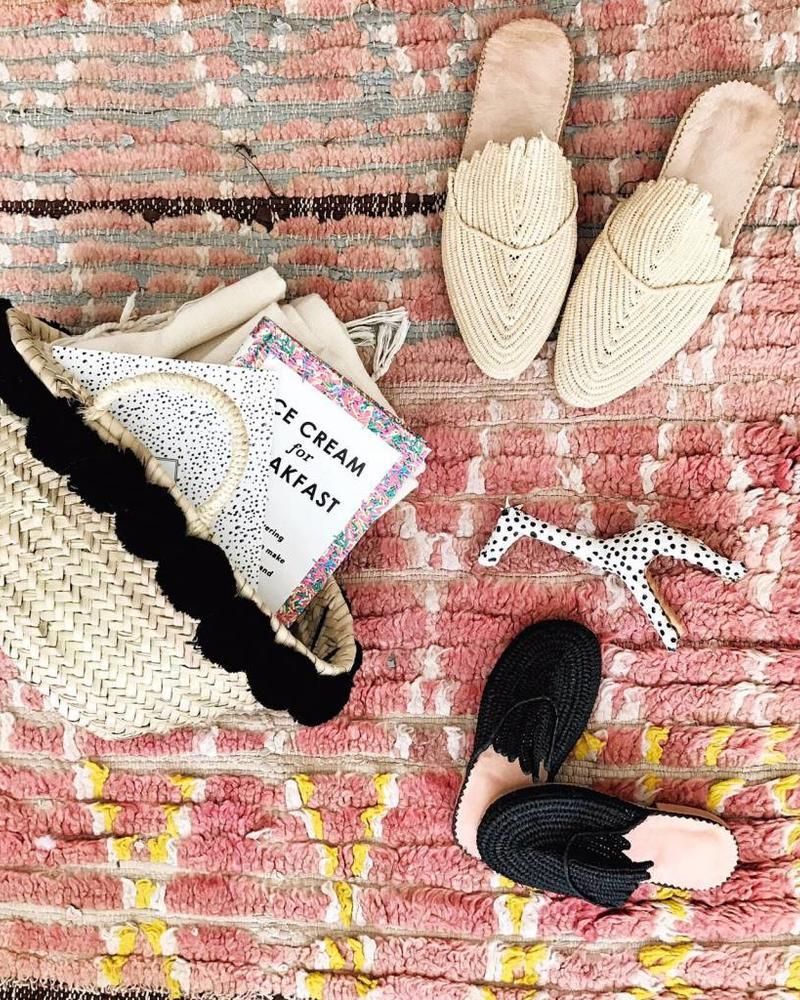 Handgemaakte Natural Raffia slip-on sandalen