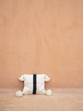 Handgeweven pom pom kussen - wool S