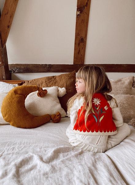 The Souks x Dappermaentje - Handwoven pom pom pillow moon Bronze