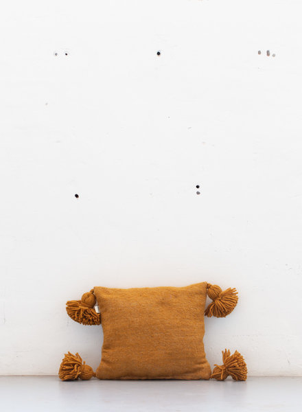 The Souks x Dappermaentje - Handwoven pom pom pillow Bronze - S