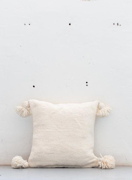 The Souks x Dappermaentje - Handgeweven pom pom kussen Off white - M