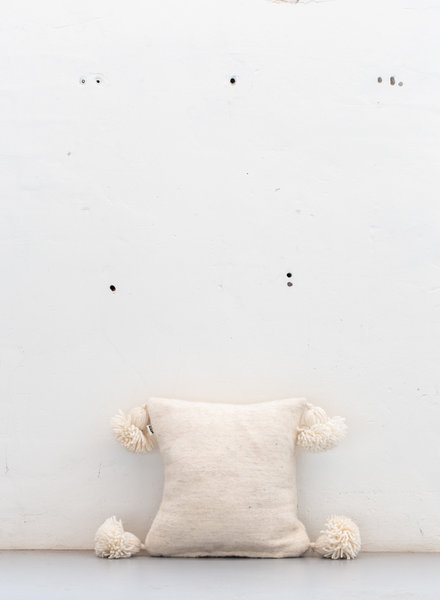 Off white pompom pillow - S
