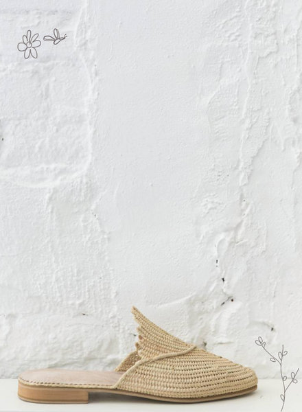 Raffia shoes natural