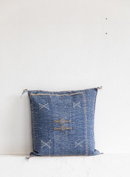 Vegan silk cactus pillow 155
