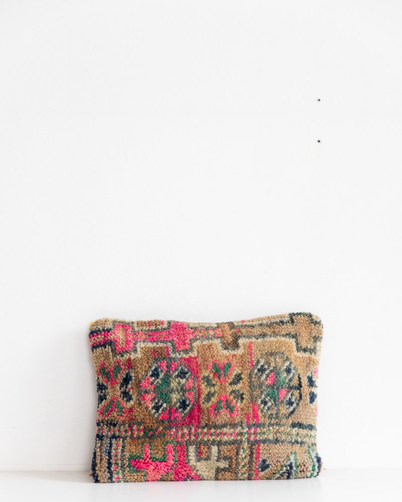 Special Vintage Pillow 445