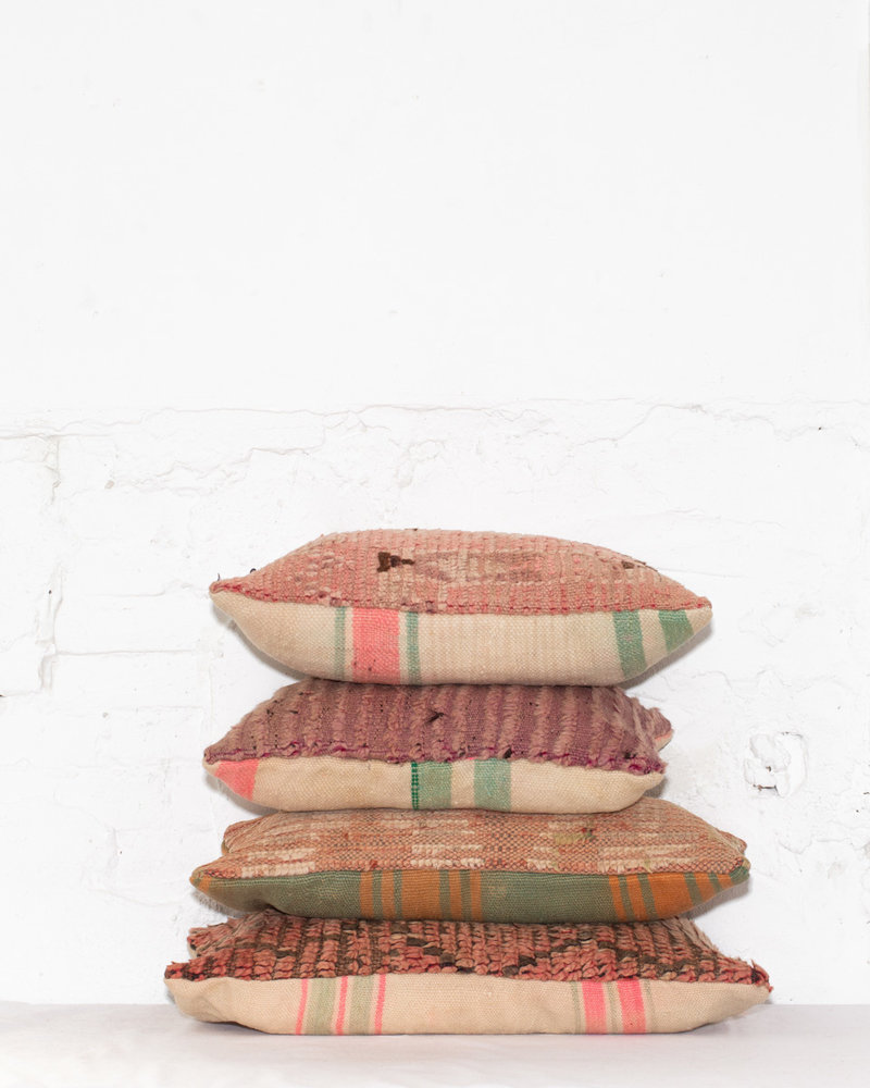 Special Vintage Pillow 507