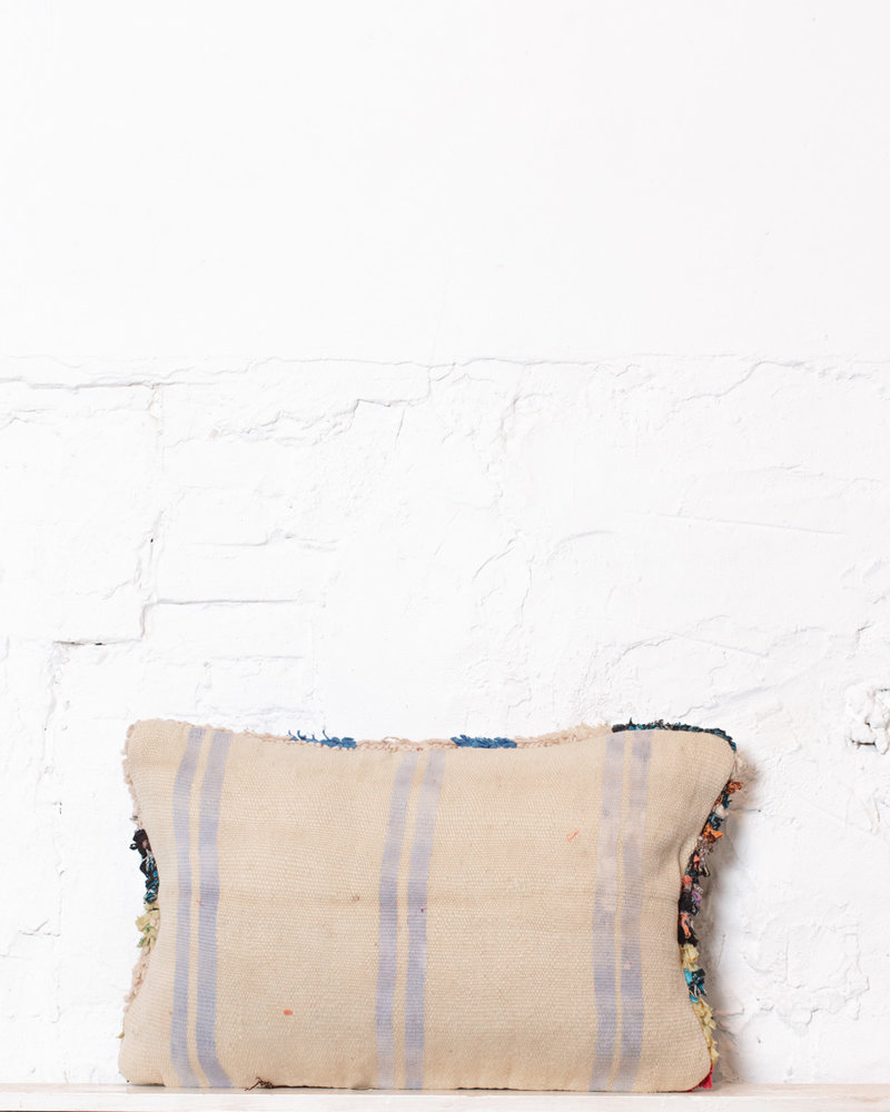 Special Vintage Pillow 536