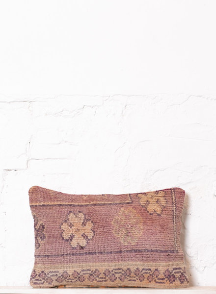 Special Vintage Pillow 557