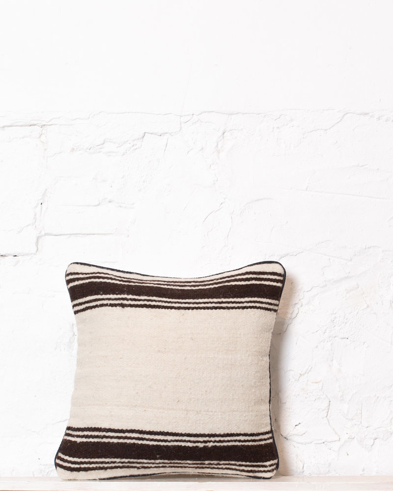 Authentic striped Berber pillow from Morocco 374