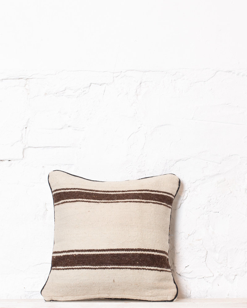 Authentic striped Berber pillow from Morocco 375