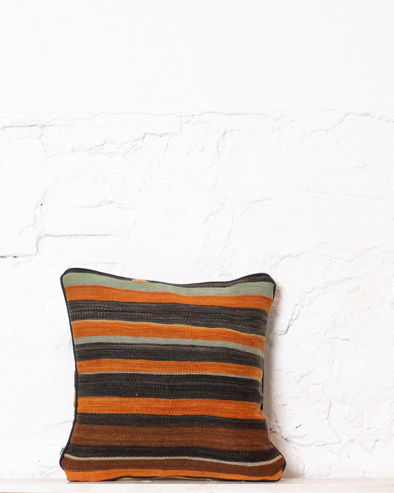 Authentic striped Berber pillow from Morocco 377