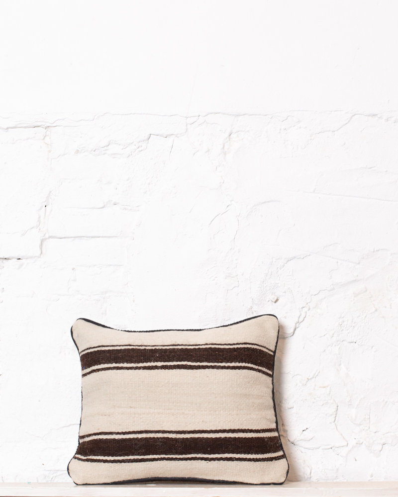 Authentic striped Berber pillow from Morocco 395