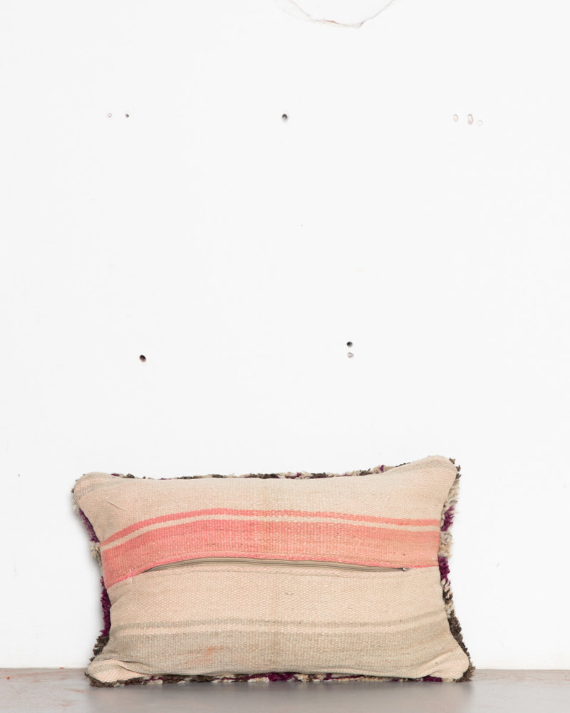 Special Vintage Pillow 572