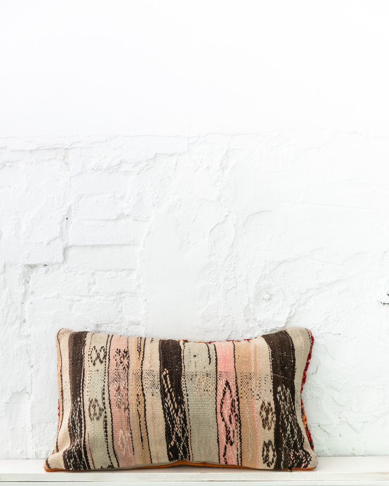 Special Vintage Pillow 632